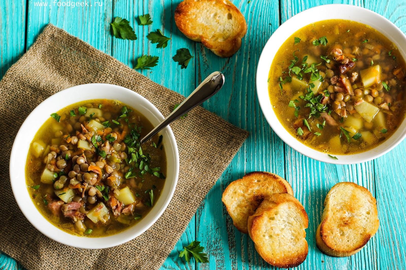 При подаче украсьте блюдо свежей зеленью.